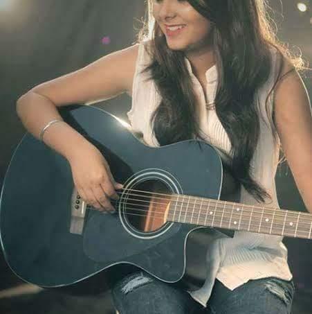Girl with Guitar DP