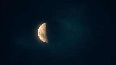 Wallpaper Moon, glow, night, sky+ Download Wallpapers