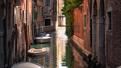 Wallpaper Venice Alley, boats, sea, Italy+ Download Wallpapers