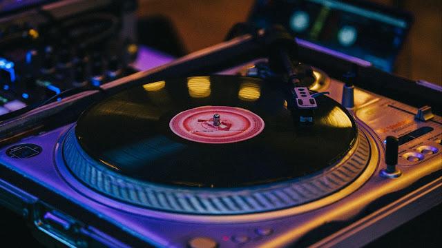 Free recording wallpaper, vinyl, DJ, music+ Download Wallpapers