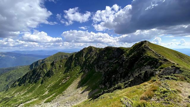 Hills Nature Wallpaper+ Wallpapers Download