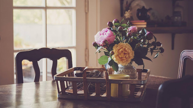 Flowers on the table Vintage wallpaper+ Wallpapers Download