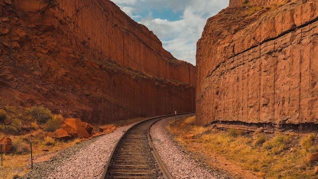 Canyon, rocks, railway, rails, landscape wallpaper+ Wallpapers Download
